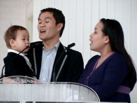 God Will Take Care of You (Original Upload)trop chou avec le petit qui chante de toute sa voix!