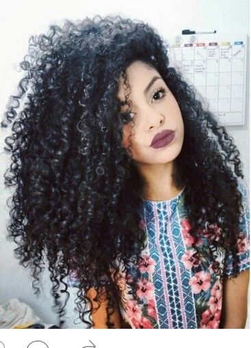 Steffany Borges Curlyhair Black Natural Staying