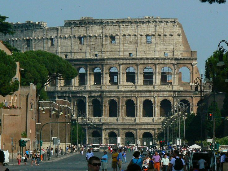 One of the 7 wonders of the world: Colloseum of Rome. Read more: http://www.imperatortravel.ro/2016/06/cele-7-minuni-ale-lumii-colloseumul-din-roma.html