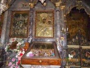 Πλήθη πιστών στην Αγιάσο Λέσβου για την Παναγία «Αγία Σιών»