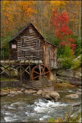 LOVE the old wood, the fall colors, just everything