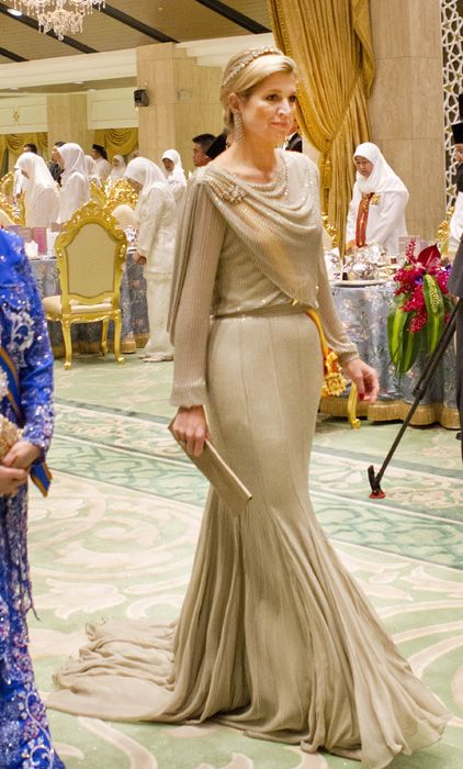 Princess Maxima of the #Netherlands looked stunning in her nude-toned dress, dusted with diamantes - Brunei Tour 2013