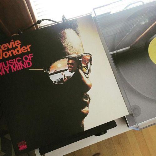 Stevie Wonder: Music Of My Mind #steviewonder #musicofmymind #audiophile #nowspinning #nowplaying #onmyturntable #spintheblackcircle #vinyl #vinylrecords #vinylcollection #vinyljunkie #vinylfreak #vinylnerd #vinylgeek #vinyligclub #vinylrecord #vinyladdict #vinylcollector #vinylcommunity #vinylporn #vinylcollectionpost #vinylclub #records #record #recordcollection #recordcollector #lp #soul #rega via Audiophiles on Instagram - Best Sound Quality Audiophile Headphones and High-Fidelity…