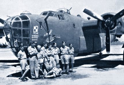 Aircraft and Polish crew from 1586 squadron in Brindisi