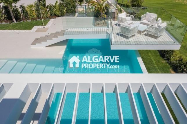 Villa for sale in Vale Do Lobo, Almancil, Algarve -                  €4,250,000