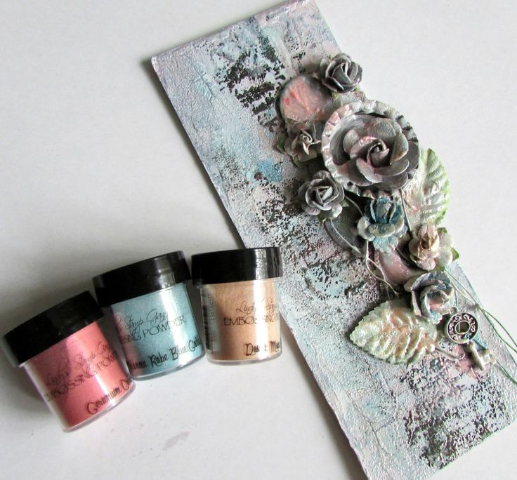 Hello dear friends! Today we want to share with you another one of Lindy's techniques! The different looks you can achieve using Lindy's Stamp Gang products are really endless, and we w…