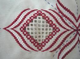 Resultado de imagem para rose au bargello avec bordure ouvrage