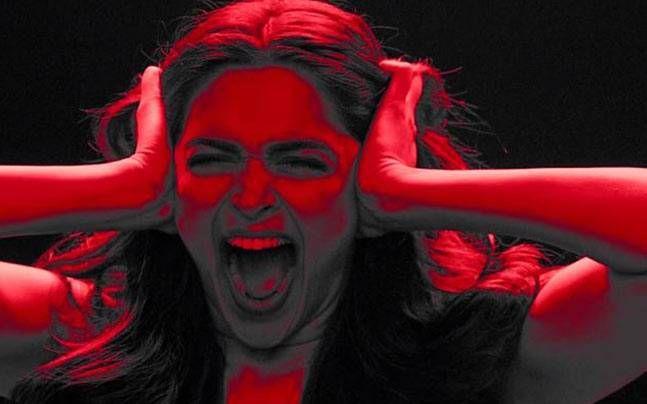Not Varun Dhawan, but Deepika Padukone to star in Badlapur 2? : Gossip, News http://indianews23.com/blog/not-varun-dhawan-but-deepika-padukone-to-star-in-badlapur-2-gossip-news/