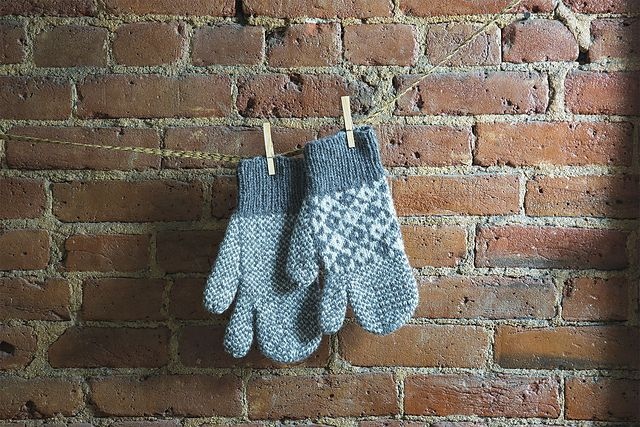 Ravelry: Newfoundland Mittens pattern by Andrea Babb