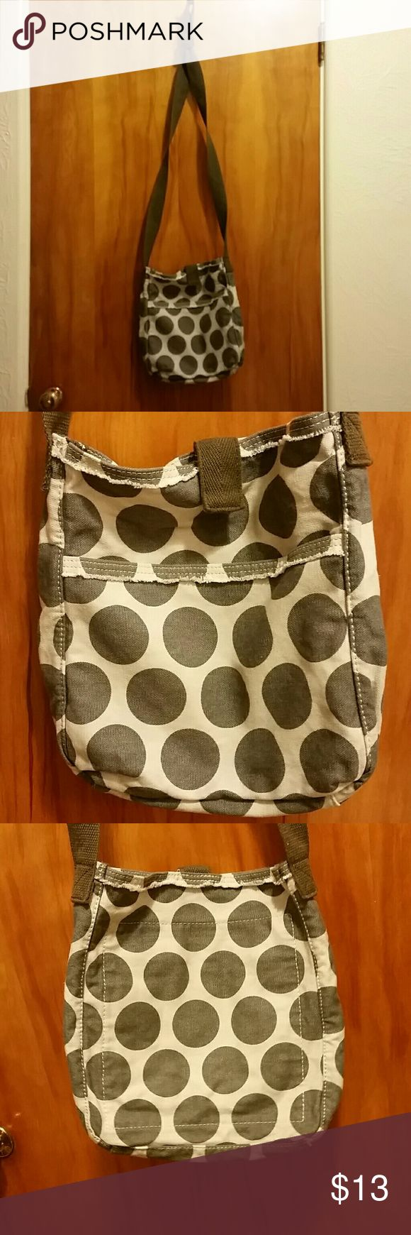 Thirty One Cross Body Metro Retro Thirty One Cross body. Used 2x's, I am very petite and did not realize how how the strap was. Thirty One Bags Crossbody Bags