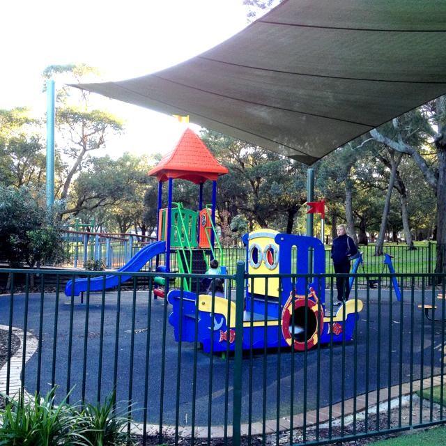 Carrs Bush Park, Carrs Park