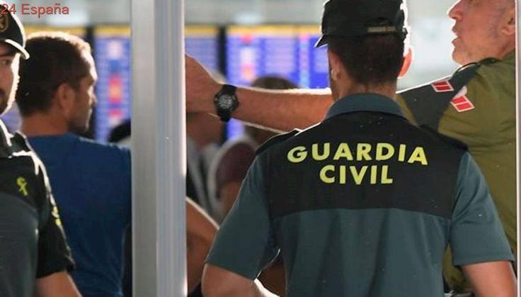 Segundo día de huelga indefinida en el aeropuerto de El Prat con las colas habituales en agosto