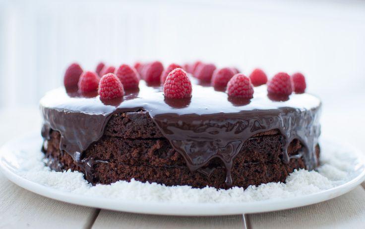 """Matbloggsentralenarrangerer OL-kake utfordringder kravet er at kaka skal innehalde kremfløyte. Dette passa veldig bra for meg som nettopp har fått """"Slikepott""""-boka i julegåve. Boka er nemleg full..."""