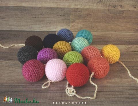 Meska - Szivárvány szín horgolt gömb füzér ircsisufni kézművestől #crochet #ball #garland #colorful