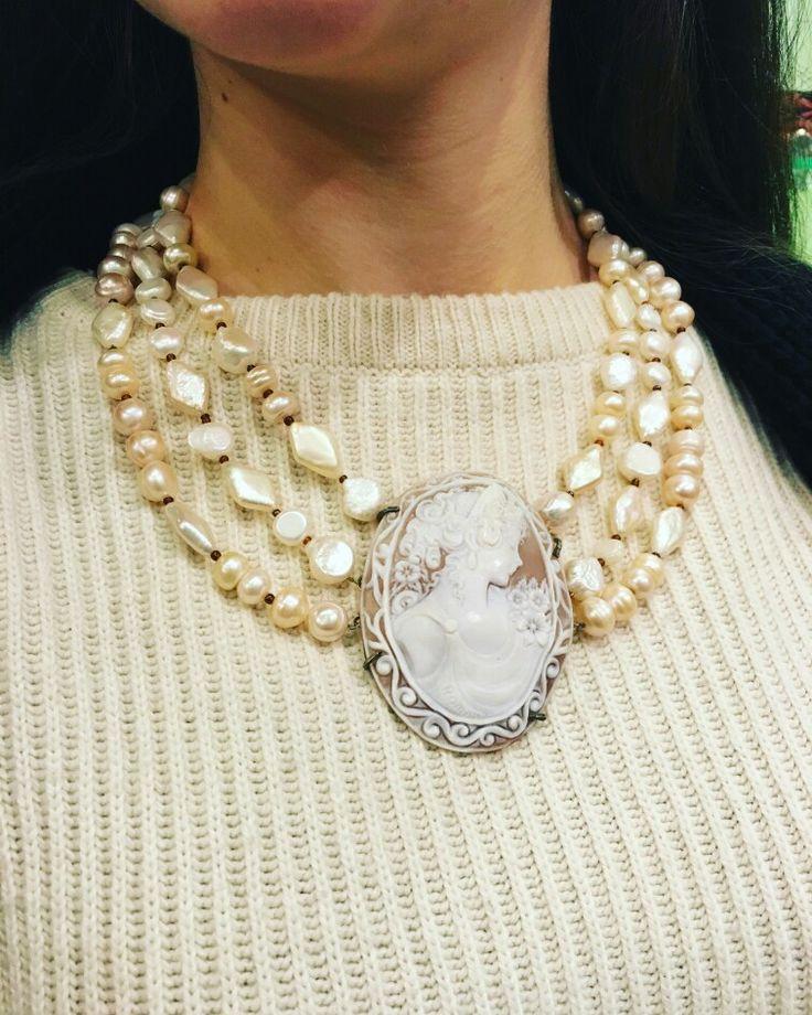 #cammeo #incisione #conchiglia #pendente #perle #artigianato #napoletano di #qualita #artchiajaoriginalhandmade