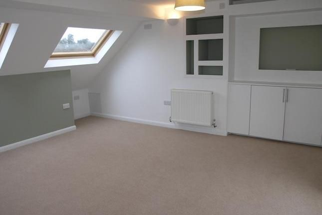 4 bedroom end terrace house for sale in Prospect Crescent, Whitton TW2 - 30377810