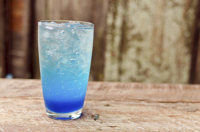 como-hacer-limonada-azul-2