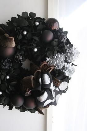 Cocoa & Black Wreath  by bloomish                                                                                                                                                                                 More