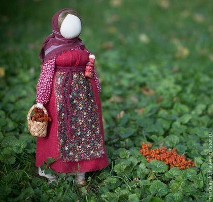 """Народные куклы ручной работы. Ярмарка Мастеров - ручная работа Народная кукла """"Рябинка"""". Handmade."""