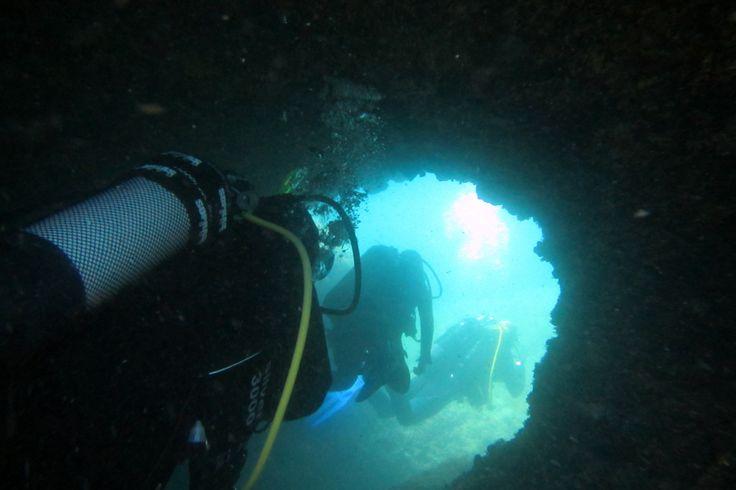Höhlen-Tauchen Insel Krk (Kroatien) ca. 15 Meter mit der Canon D30 Outdoorkamera
