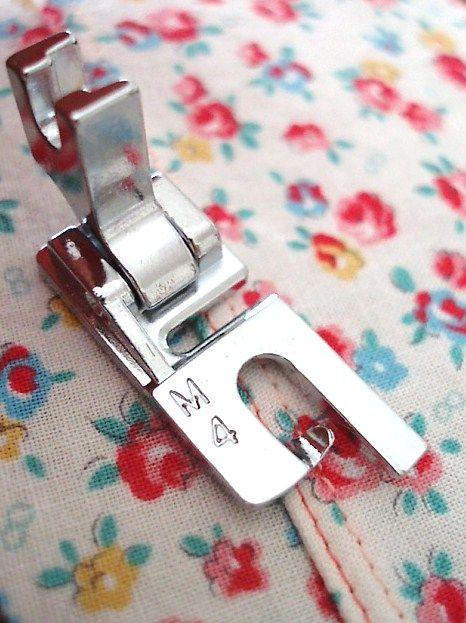 Alguna vez se preguntó acerca de todos esos pies que vienen con la máquina de coser? Este sitio cuenta con tutoriales de diversión para todo y consejos para los experimentados y principiantes por igual.