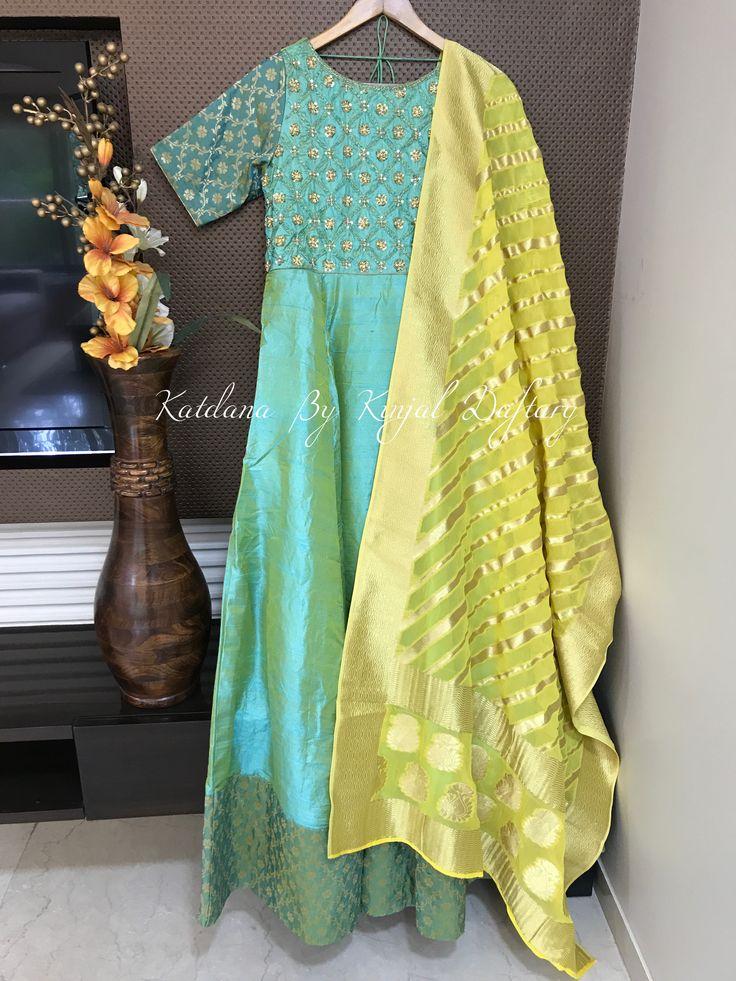 'From The Banarasi Threads' For further details kindly watsapp us on 09820248663 or mail us on katdanabykinjaldaftary@gmail.com   #destinationweddings #anarkali #lehengacholi #Lehenga #handwork #katdana #westerngowns  #clientdiaries #indianoutfits #indiangowns #occassionalwear #dresses #croptops #skirts #indowestern #zardosi #sarees #pinkgold #designer #indiancouture #banarasi #banarasicollection