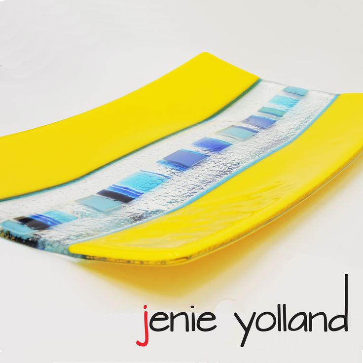 this platter is 20cms by 35 cms let me know if you want a different size or go to my website for more information:  https://jenieyolland.com/product/stunning-platter-in-yellow-and-turquoise-art-glass/