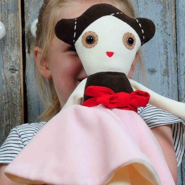Esthex - Anna Ballerina musical doll on framestr.com