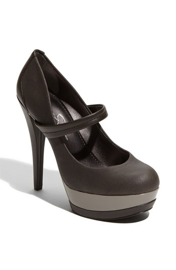 Loving Jessica Simpson's shoe line is one of my guiltiest pleasures.