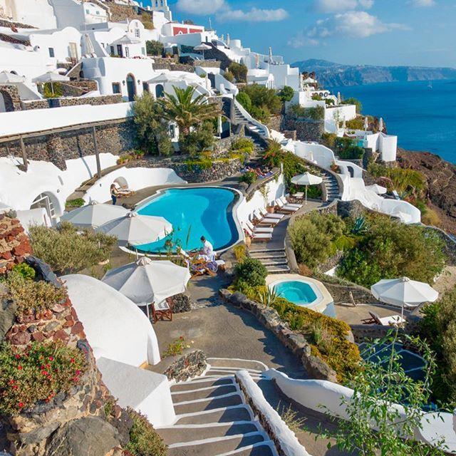 Santorini island, Greece   @kevinandamanda #santorini #希腊 #querovoltar #caldera #myisland #Aegean #bluesea #igeroftheday #stunningview #griekenland #vacaciones #Greece #travelawesome #Grecia #Grece  #ギリシャ #santorinigreece  #Санторини  #magnifique #景色 #luxuryworldtraveler #Греция #Griechenland #amazingpic #greekamerican  #그리스  ...