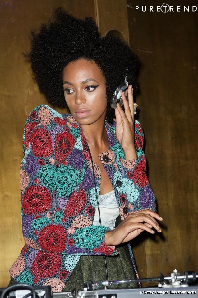 PHOTOS - Djette à ses heures, Solange Knowles affiche un look ultra-pointu, loin…