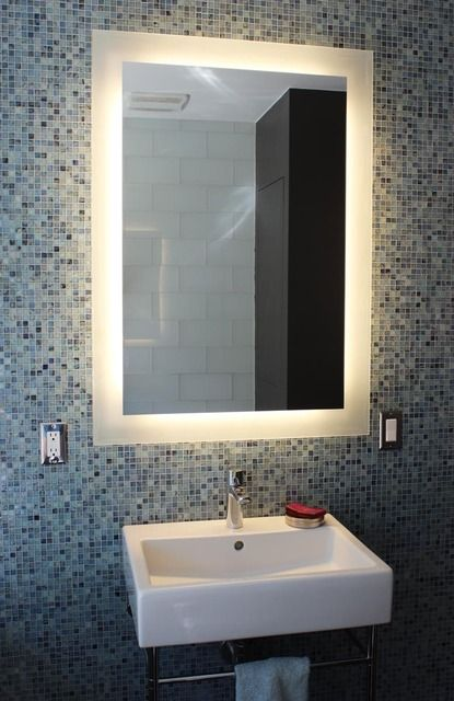 Vanity mirror, mosaic tiles | Source: http://www.apartmenttherapy.com/isabelles-greenest-house-in-venicehouse-tour-176611