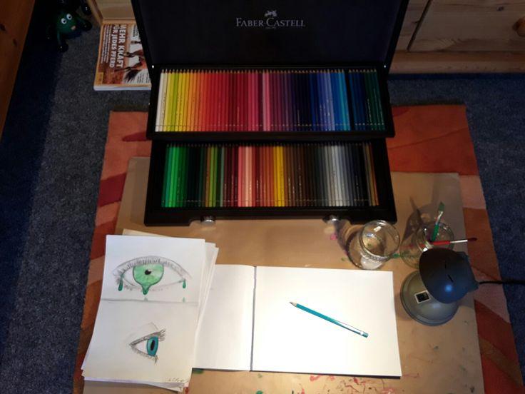 Richte dir am besten erst deinen Platz ein (weiche Aquarellpinsel, Wasser, Aquarellblock,  Aquarellstifte, gutes Licht) Die Zeichnungen hab ich schon gemalt