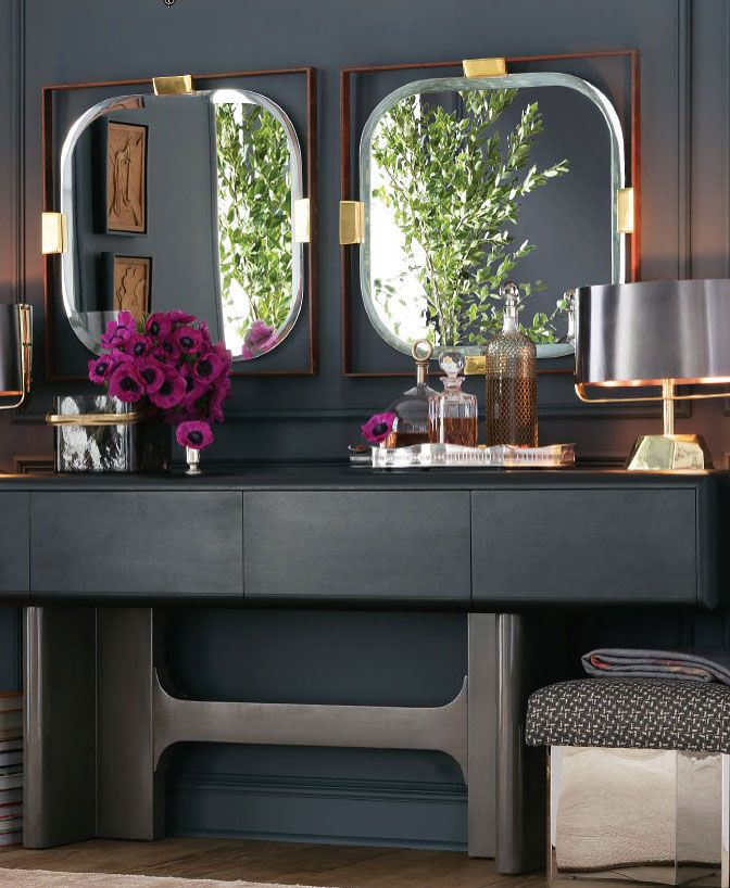 Sophisticated Interior Decor Arranging Several Mirrors In A Row