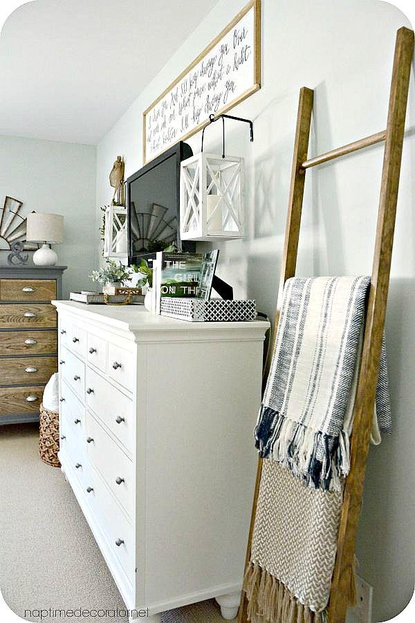 Best 20 dresser mirror ideas on pinterest bedroom for Bedroom t v dressers