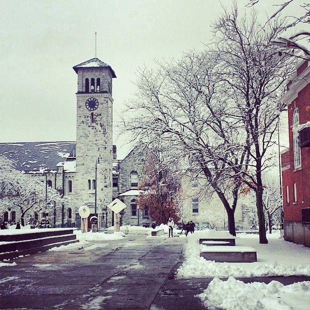 "@jessicacsinclair's photo: ""#firstsnowfall #snow #winterwonderland #queensu #queensuniversity"""