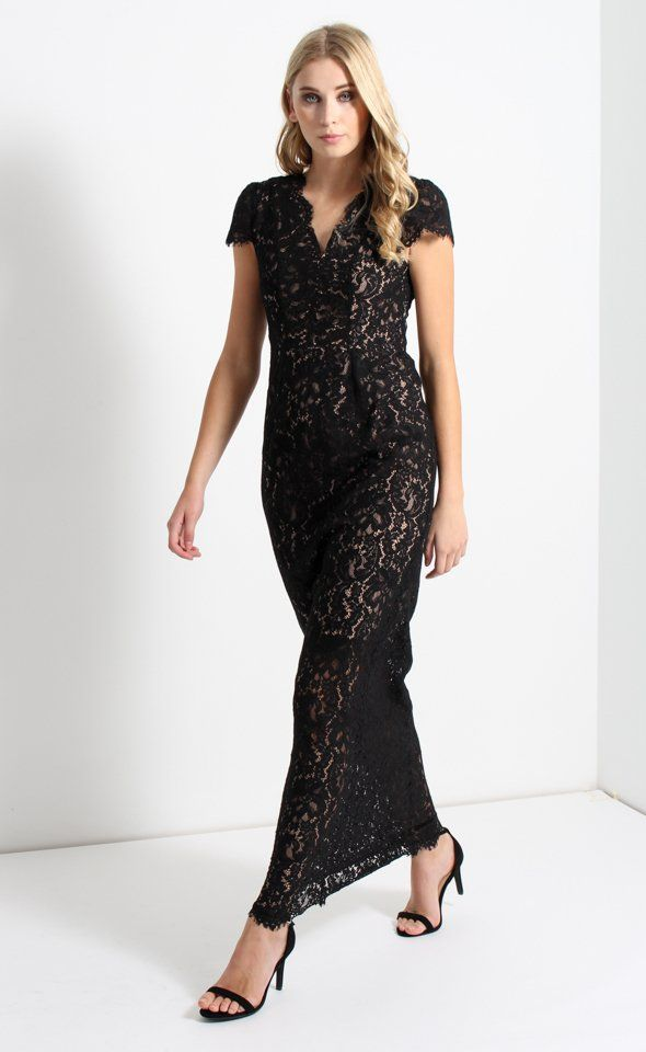 Featuring a delicate lace and feminine figure hugging silhouette, this Scalloped Lace Gown is the perfect choice for your next event. Pair with subtle accessories to let the elegance of the dress be seen.