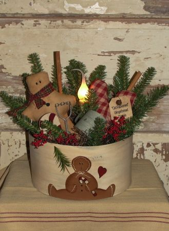 Gingerbread round pine arrangement with light country for Decorating tins for christmas