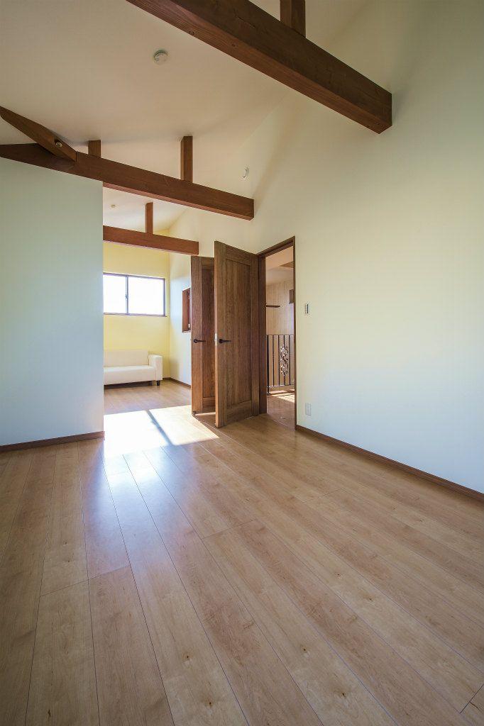 子供室は広く使えるように一部屋にし 将来は仕切れるように扉を2枚