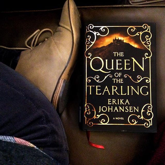 """Was able to get a bit of reading done on my lunch break . I am seriously in love with how beautifully designed all of these books are. Each edition was so masterfully created.  I can't believe that I waited so long to read #TheQueenOfTheTearling. It was totally one of those books that people were all raving about, so of course I dragged my feet to read it. I wasn't sure I would """"get the hype"""". Is there any book like that for you?  @harpercollinsus"""