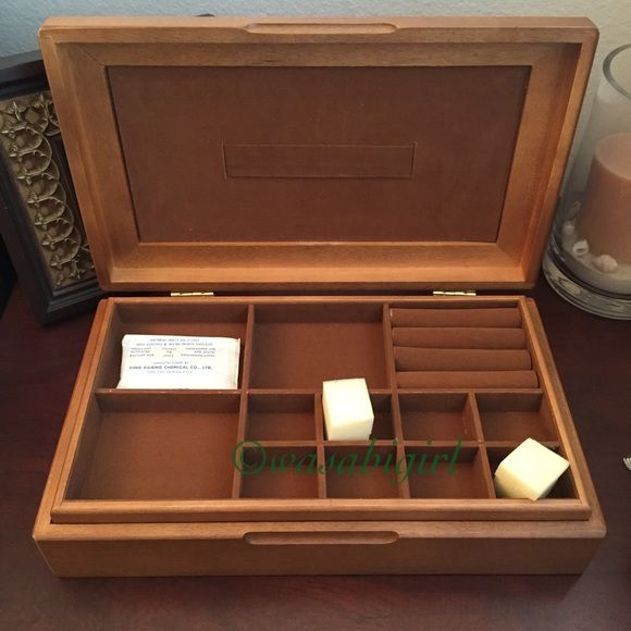 "⬇️ New in Box Men's Wood Jewelry and Accessory Box New in Box. Oak Veneer Parquet Top. Tie Bar Rack in Lid. Removable Felt lined section tray. Ladies can use it too! - clip barrettes or attach bracelets on the tie bar strip. 12 3/8""L X 7 3/8""W X 2 7:8""H. No Trades Accessories"
