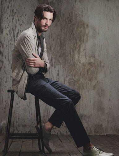 men's styleLouis Vuitton, Laid Back Style, Laid Back Spring, Ermenegildo Zegna, Armani Blazers, Robbie Fimmano, Richard Chai, Giorgio Armani, Spring Style