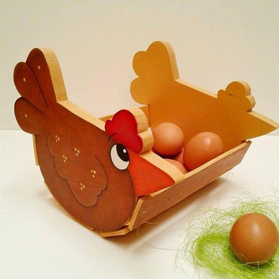 cestino porta uova in legno dipinto a mano