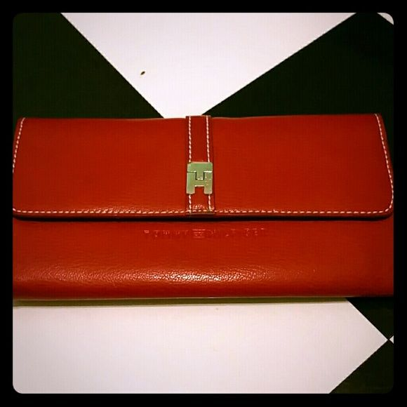 Tommy Hilfiger Clutch Wallet Like new red leather Tommy Hilfiger Clutch Wallet Tons of storage! Price negotiable, make an offer. Tommy Hilfiger Bags