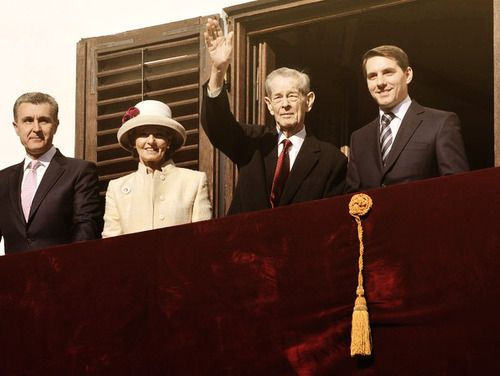 misshonoriaglossop:  Former King of Romania Mihai (Michael) I salutes the audience at the Elisabeta Palace in Bucharest on November 8, 2013. With him are his daughter Crown Princess Margareta and son-in-law Prince Radu.