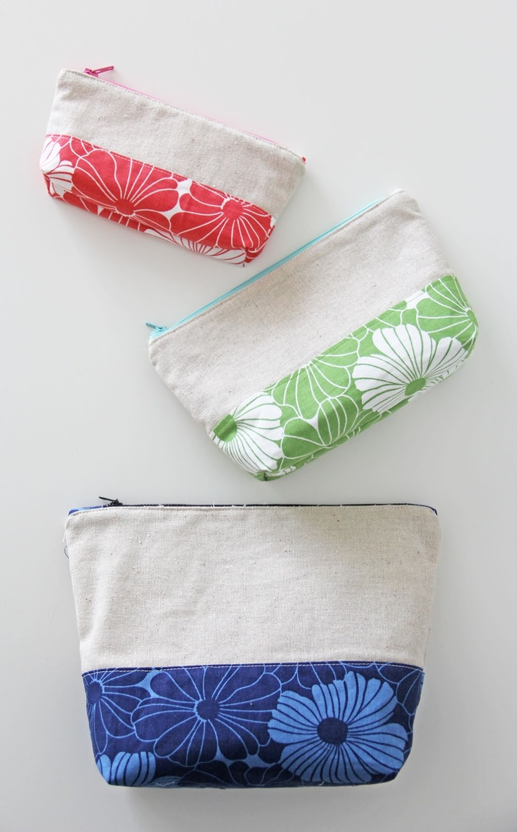 3 sizes color block zipper pouch pattern by V and Co.  So cute with the canvas... Like the fabric combo for summer totes