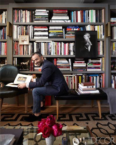 Francisco Costa's New York Library, Elle decor, wall of built in bookshelves, gray bookshelf