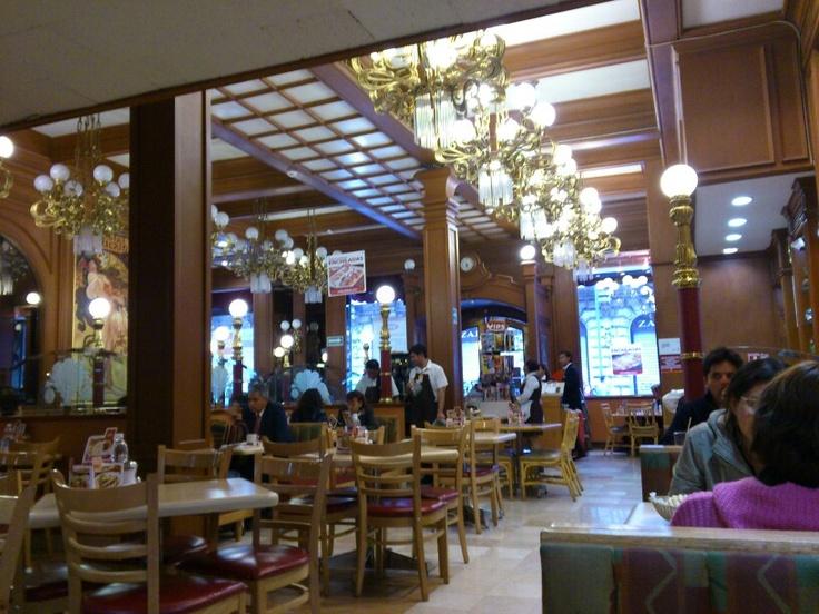 Muy bella decoración a pesar de ser un restaurante de cadena (Vips): Favorite Places, Although, Bella Decoración, Cadena Vips, Chain, Very Beautiful, Restaurant, Be