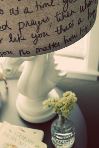 Una idea preciosa, lo haré con la escritura de mi hija. Beautifull!!!Lampshades, Lamps Shades, Diy Crafts, Wedding Vows, Songs Lyrics, Bible Verses, Glasses Boxes, Lamp Shades, Song Lyrics