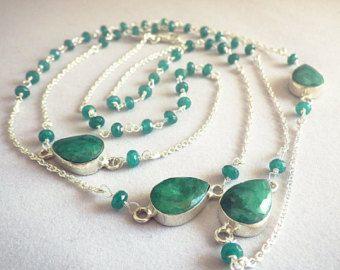 Collar largo plata con ónix verde esmeralda y piedras de raíz incrustada. Collar con piedras verdes, raíces, esmeralda
